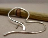 Simple Leaf Outline Hoop Earrings in Sterling Silver (Medium)