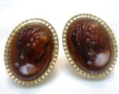 Gorgeous Glass Cameo Cuff Links