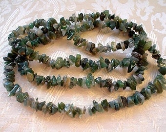 natural gemstone moss agate small nugget chips/32 inch