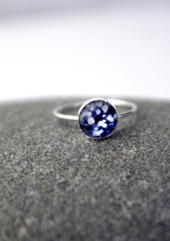 Clearance DISCONTINUED Size 7 Petite Polaroid Floral Simple Stacking Photo Ring - Sterling Silver, 8mm, Custom Sized - Botanical in Blue