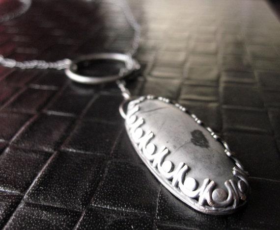 Lariat necklace grey and black jasper