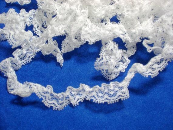 Lace 10 Yards Vintage White Gathered Narrow Trim Number 60