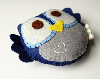 Eco friendly Plush Owl Toy In Blue With Embroidery Heart