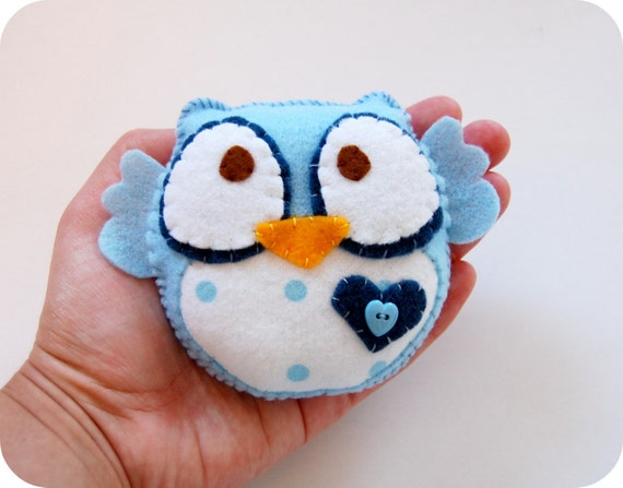 Owl in baby blue and polka dots