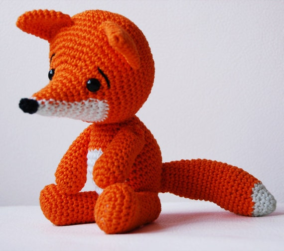 Amigurumi Fox : Amigurumi crochet fox pattern lisa the softie
