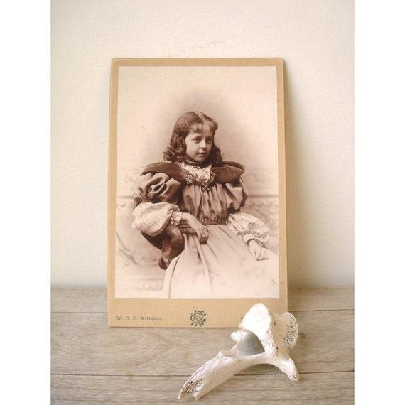 1900s Victorian Girl - CDV taken by W G C Kimball