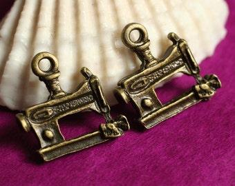 SALE Antique brass sewing machine charm 12x14mm, 24 pcs (item ID YDYD3D)
