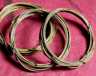Antique solid brass wire 18G thick, 10 ft (item ID SBW18GO)