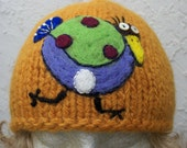 Wool hat with needlefelted bird