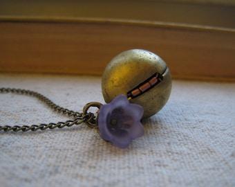 vintage locket necklace - lavender