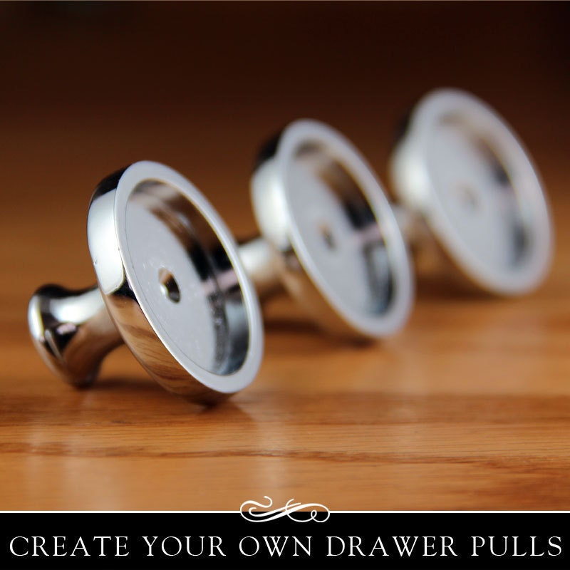 Glamour FX Clear Glass and Drawer Pull Kit. Silver Drawer or Cabinet Knob  with Clear Glass Insert. Annie Howes. 5 Pack.