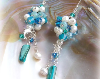 TINY BUBBLES - Crystals and Pearls Cluster Earrings