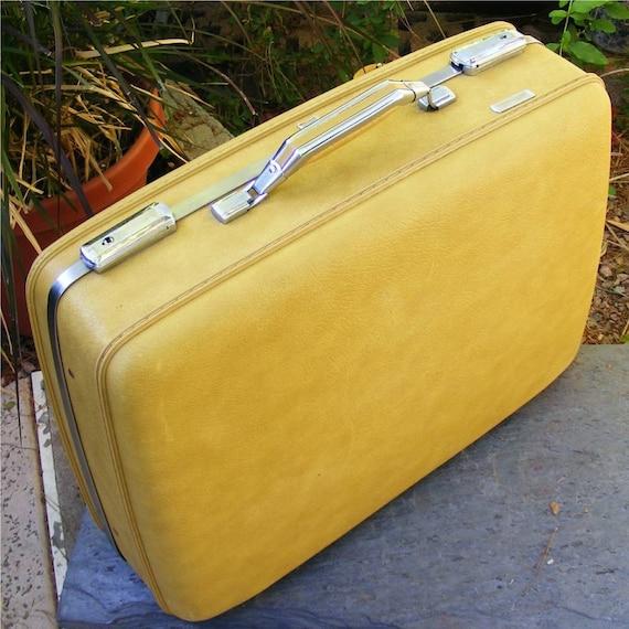 Vintage Luggage American Tourister Suitcase Medium