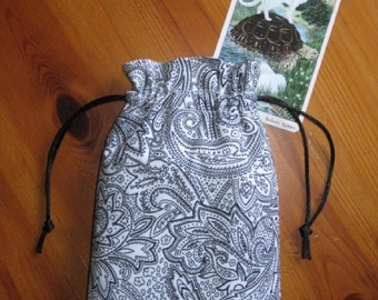 Black on White Padded Tarot Bag