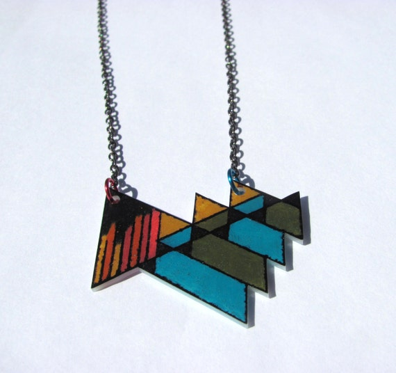 """geometric shrink plastic necklace """"mountainous"""" in blue green yellow red"""