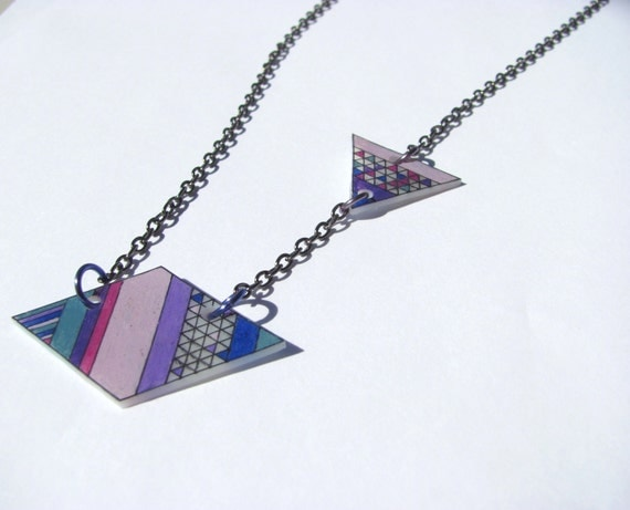 """geometric shrink plastic necklace """"what's your angle"""" in purple blue lilac"""