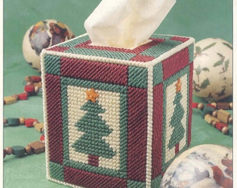 Christmas Tissue Cover  -    plastic canvas pattern