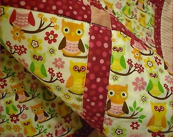 OWL Baby Quilt for Baby Girl, crib blanket, nursery bedding, baby shower gift, owls, pink flowers, dots, nature, cotton, toddler, children