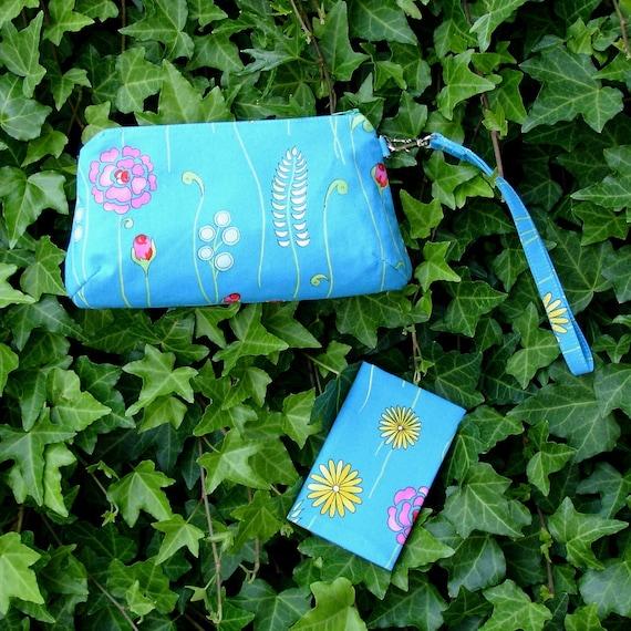 Blue Flower Wristlet Clutch and Notepad Set