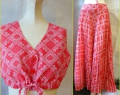 Vintage PLEATED Palazzo PANTS 2pc Set  size 4 6 8 High Waist Crop Top Red White Floral 1960s Pantsuit