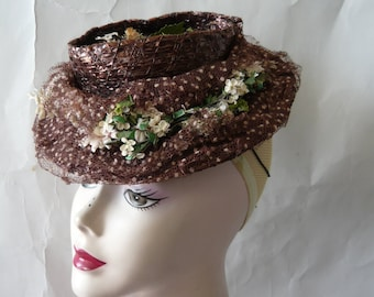 Fascinating Vintage Straw Hat Small FLOATER 1940s Chocolate Brown w Swiss Dot Veil Netting NY Creations