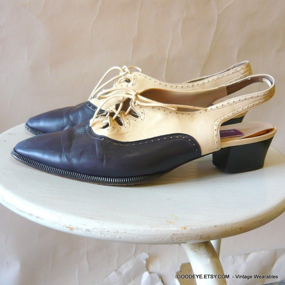 Vintage Shoes Phyllis Poland Lace Up Flats Italy Sling Back