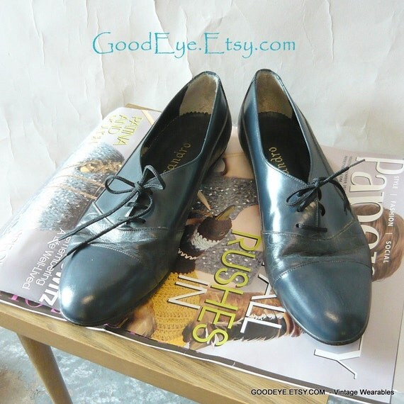 Vintage Lace Up OXFORDS Shoes Flats BLUE  SIZE 11 Eur 43  UK 8 M