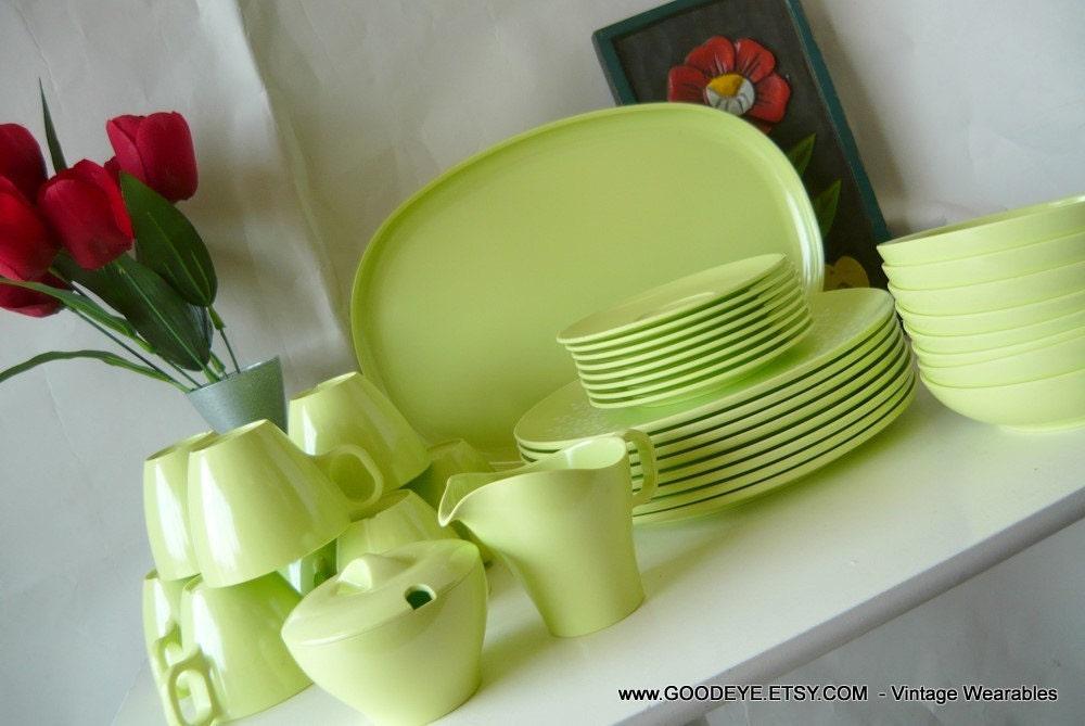 Vintage 50s Dinnerware Melamine Plastic Set 36pc Plates