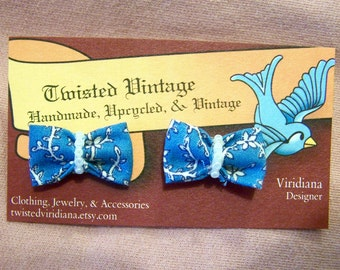 sale PEARLY BLUES Mini Bow Studs