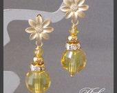 Free Shipping - Gorgeous Dangle Earrings in Lt Topaz