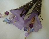 Booming Frosty Light Purple  Trumpet Lilies Earrings