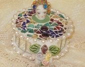 PANDORA whimsical mUsICaL Harlequin  spinning  mirror and stained glass  and pearl music box