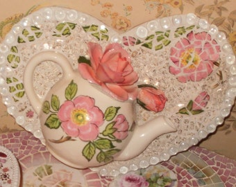 BLOOMING tea  teapot  pink roses shabby chic romantic cottage mosaic LARGE HEART broken china