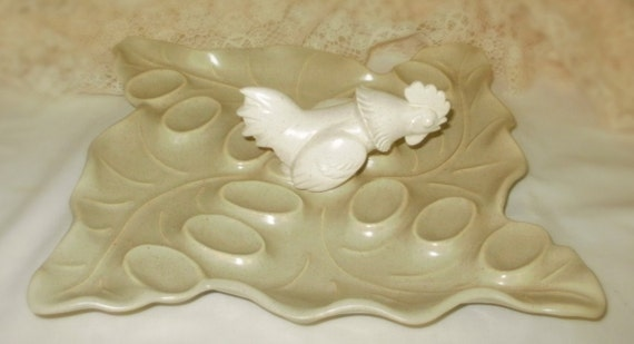 rare BAUER SPECKLEWARE  rooster chicken deviled egg plate tray serving tray