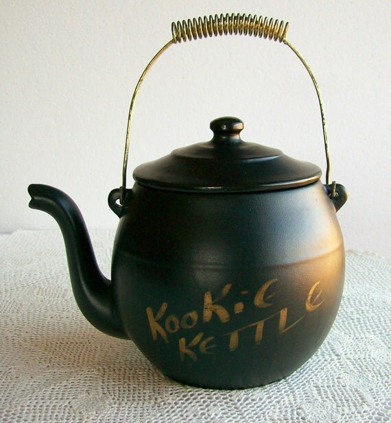 Vintage Ceramic Cookie Jar McCoy Kookie Kettle Retro Housewares