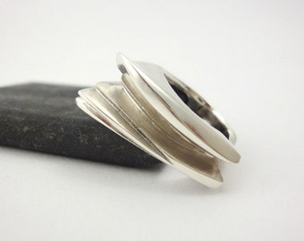 OKeeffe ring in 925 sterling silver custom fitted for you.