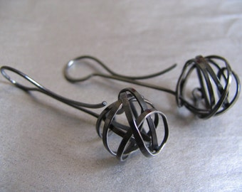 Black Knots collection earrings