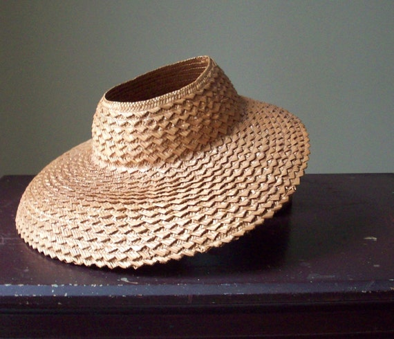 SALE - Vintage Open Crown Straw Gardening Hat