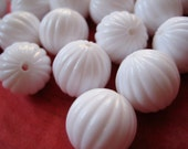 35 vintage ribbed white melon beads 12 mm