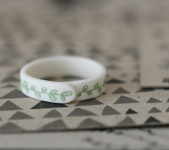 Sweetpea - Sage - Porcelain Ring