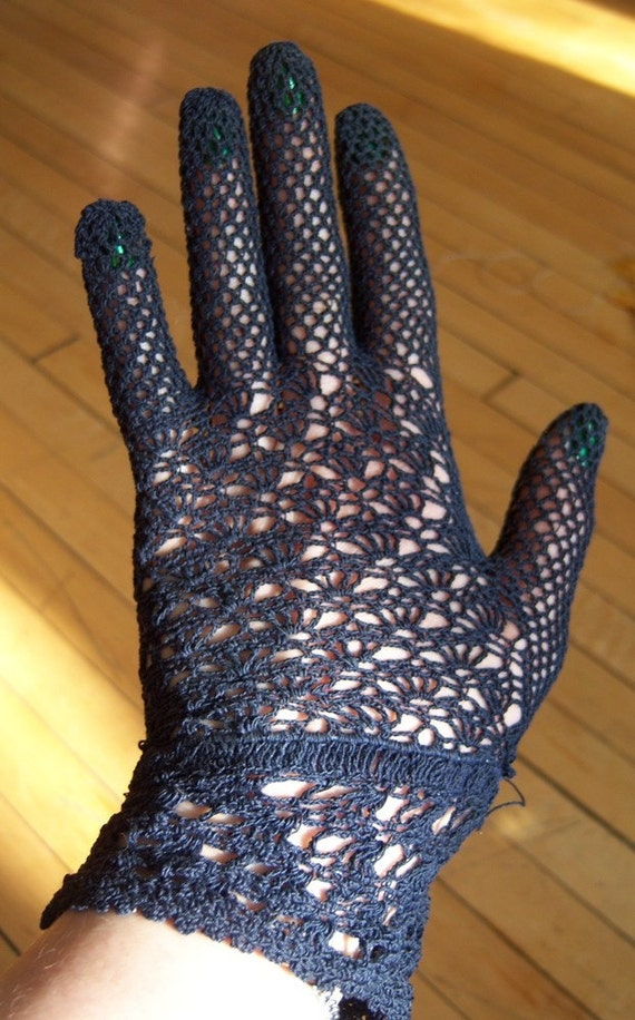 Small Navy Crocheted  Vintage Gloves
