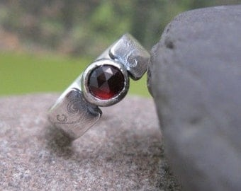 sterling silver band with blood red garnet . (( Gothic Flourish Ring )) . hand etched band detail . one of a kind . READY TO SHIP in size 7