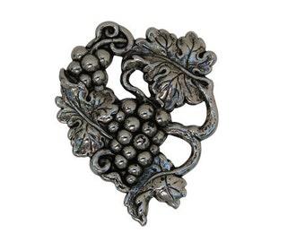 Grapevine Cluster Vintage Medallion