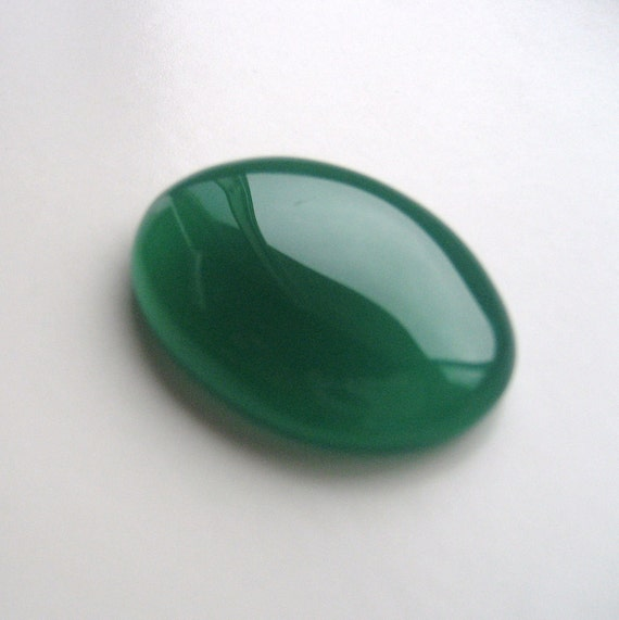 Green Onyx - Oval Cabochon, 40.60 cts