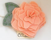 LARGE Rosy Posy Hair Clip in Perfectly Peach