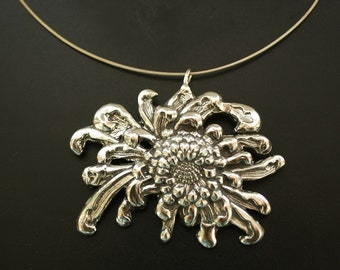 Large Asian Mum Necklace in Sterling Silver