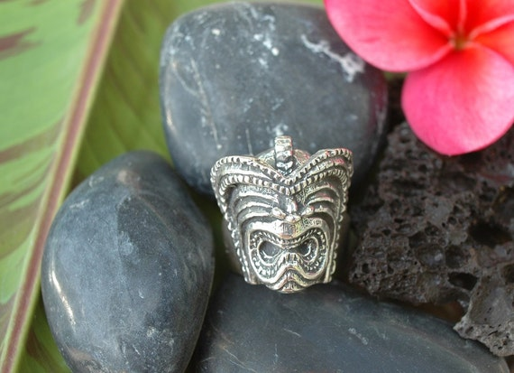 The Big Lucky Tiki or Pomaika'i Ring (large design) in White or Gold Bronze