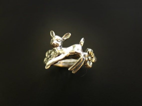 Fawn in the flowers Ring in Sterling Silver