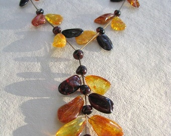 BALTIC LEAVES - Cognac and Lemon Amber Necklace