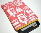 SALE - Retro Kitchen Padded eReader Sleeve